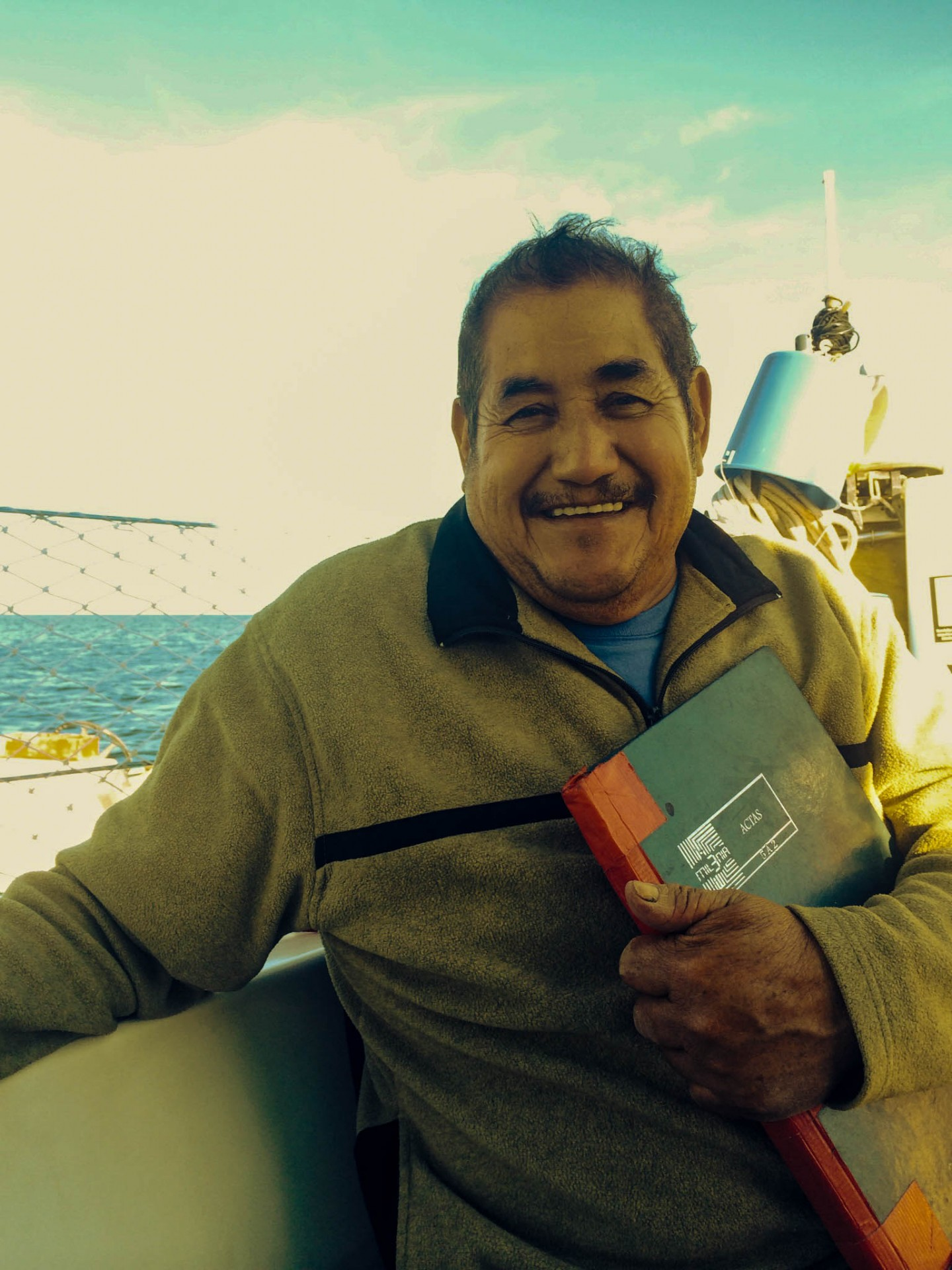 Eduardo made it easy for us to refuel in Puerto Magdalena; that's his ledger book in hand. He never opened up or thought about the change I was asking about, but missed his childhod home in La Paz.