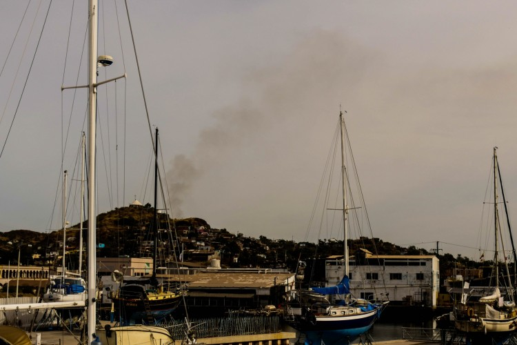 Carbon over Guaymas: the view from the boatyard every morning.